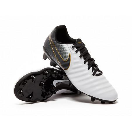 Korki Nike Legend 7 Academy...